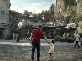 Star Wars Galaxy's Edge theme park Disneyland