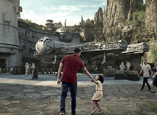 Star Wars Galaxy's Edge theme park Disneyland