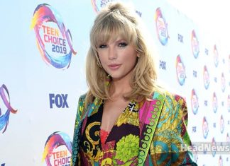 Taylor Swift Accepts Icon Award at the 2019 Teen Choice Awards - Music Shore