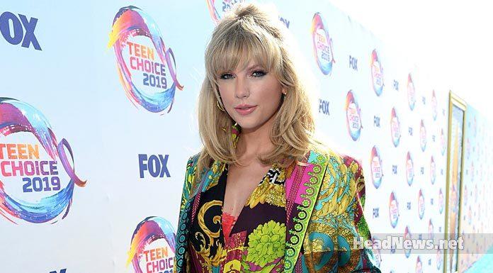 Taylor Swift Accepts Icon Award at the 2019 Teen Choice Awards - Music Shore